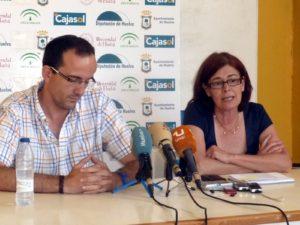 Imagen de archivo de Gabi Carrasco y Rosa Espada, presidenta del CB Conquero.