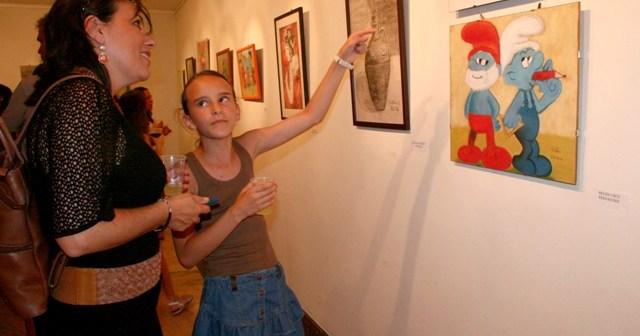 Exposición de pintura infantil.