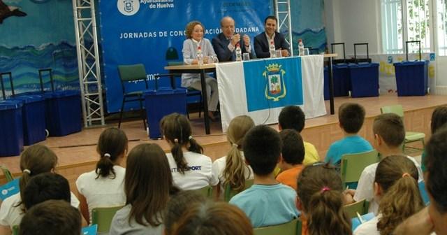 El alcalde de Huelva inaugura las jornadas de medio ambiente.