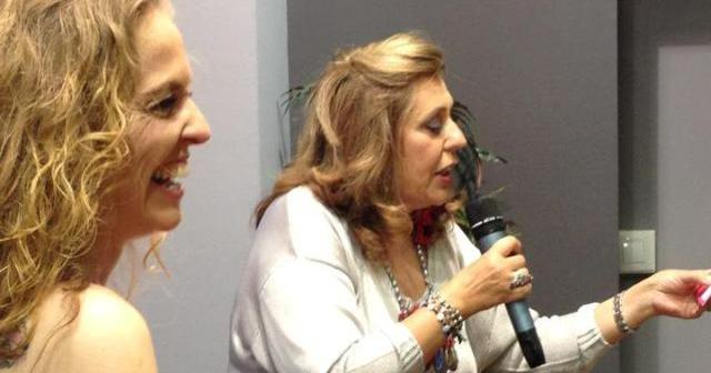 Yolanda Sáenz de Tejada e Inmaculada González en la presentación del libro.