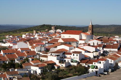 Vista de la localidad de Encinasola en la Sierra de Huelva.