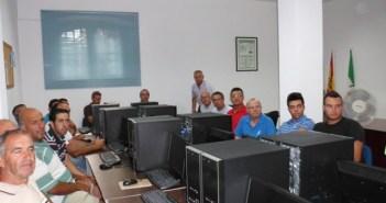 Participantes en el curso de albañilería.
