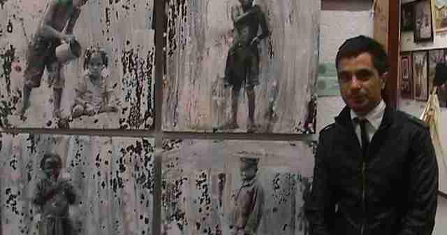 Emilio Fornieles, ante uno de sus cuadros.