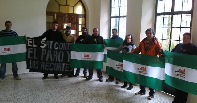 Protesta del SAT en el edificio de la Mancomunidad Cuenca Minera.