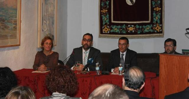 La apertura de las jornadas de Historia ha contado con la presencia de la directora de la UNIA, el alcalde de Ayamonte y el presidente de la Diputación.