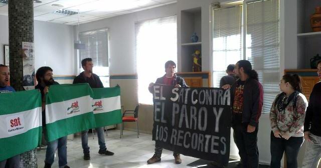 Ocupación pacífica del INEM de Nerva por el SAT.