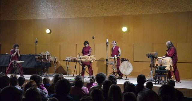 Actuación de 'Lluvia de Palos' en el Conservatorio.