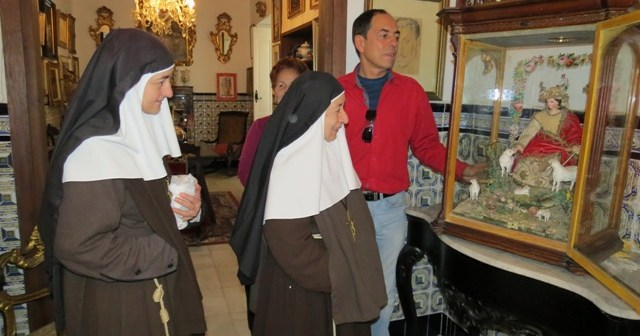 Entrega del legado de Garfias a las Hermanas de la Cruz.