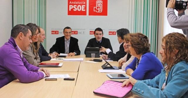 Reunión de los parlamentarios en la sede del PSOE.