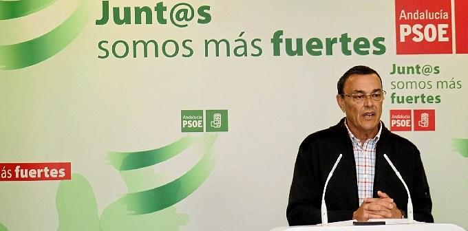 Ignacio Caraballo en rueda de prensa en la sede del PSOE. (Celia HK)
