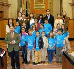 Niños de Aljaraque, en el Parlamento andaluz.