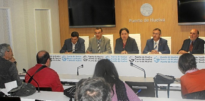 Rueda de prensa para presentar la colaboración en las Cocheras del Puerto.