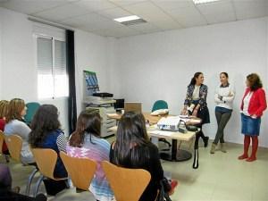 Taller dirigido a mujeres emprendedoras en Lepe.