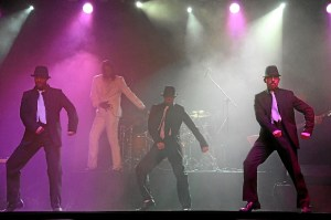 Imagen del espectáculo homenaje a Michael Jackson.