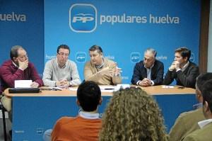 Encuentro de Sanz con concejales populares.
