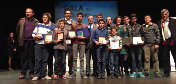 Escuela de Olipaterna en la Gala del Ciclismo de Huelva.