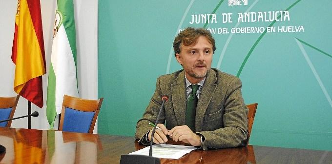 José Fiscal en rueda de prensa.