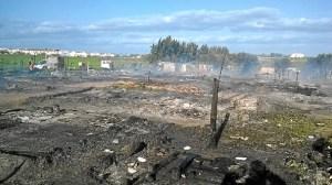 Asentamiento inmigrantes Campamento incendiado en Lepe-03