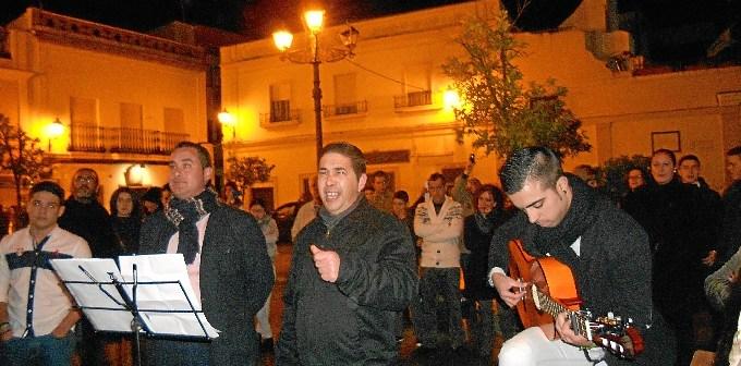 El Grupo Aires Nuevos cantando la Salve.