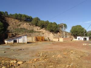 Pozo de la antigua mina de Sotiel Coronada.