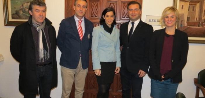 Convenio del Ayuntamiento de Moguer con varios clubes de la localidad.