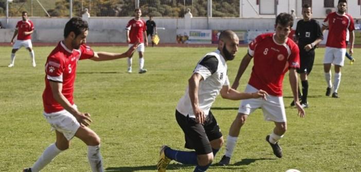 Partido de fútbol en Lepe.