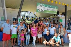 Algunos de los andalucistas que disfrutaron del almuerzo en el recinto ferial durante las fiestas