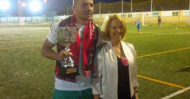 CD Pinzón, campeón del triangular en Mazagón.