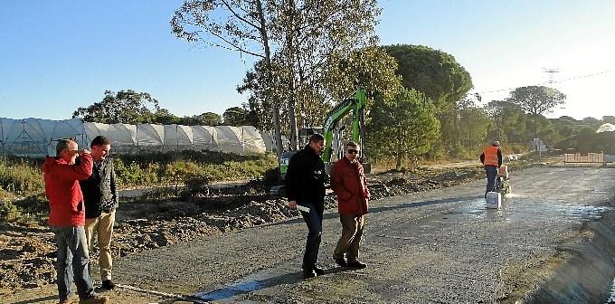 Supervisando los trabajos en La Charca