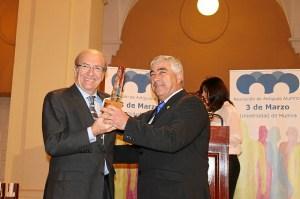 premio antiguos alumnos 2015-1