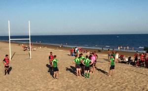 Exhibición de rugby playa en La Antilla.