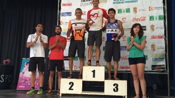 El CD Triatlon Huelva en el podium de Posadas.