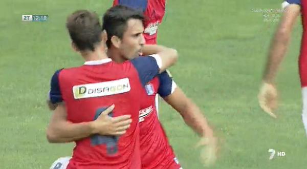 Arthuro celebrando su primer gol con el Recreativo en Jumilla.