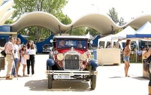 Uno de los vehiculos entrando al Recinto
