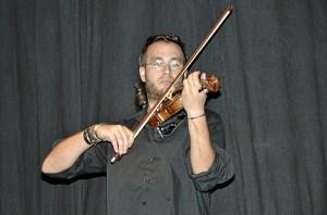Paco barrera al violin.