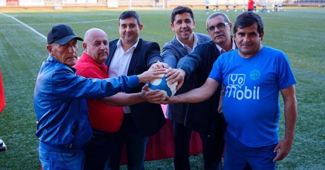 Convenio entre el Ayuntamiento de Ayamonte y los clubes de fútbol locales.