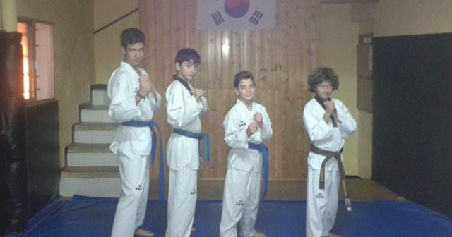 Participan cerca de 500 taekwondocas.