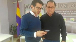 Fidel Casilla y Francisco Javier Camacho en la Sede IU Huelva