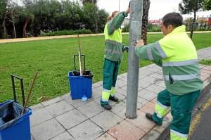 Limpieza pegatinas y carteles Huelva (2)