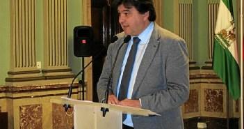 alcalde de huelva gabriel cruz en rueda de prensa 800