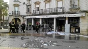 incendio restaurante la plazuela en huelva 0222-WA0007