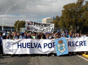 Manifestación en pro de la salvación del Recreativo de Huelva.