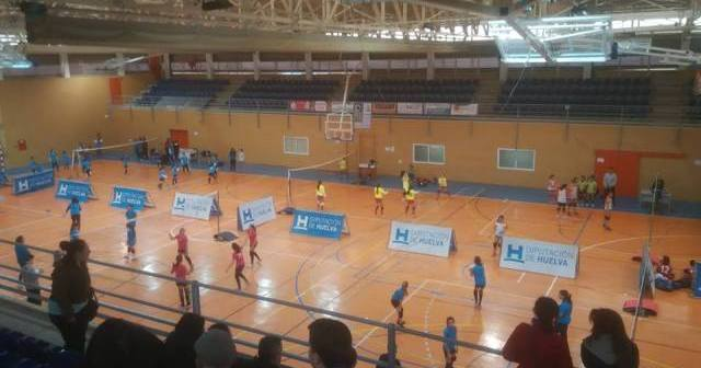Concentración de minivoley en Cartaya.