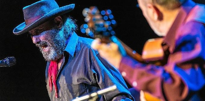 El Cabrero surante una actuación en Pamplona. (Foto: Dani Fernández)