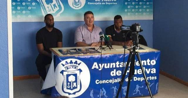 Presentaciones de Pedro Fariña y Kion Brown, nuevos jugadores del CDB Enrique Benítez.