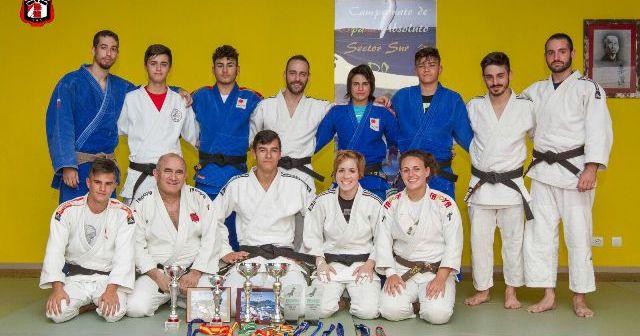Judocas del Huelva TSV.