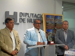 El Presidente del Festival junto al Diputado por la Costa y el tecnico de Cultura