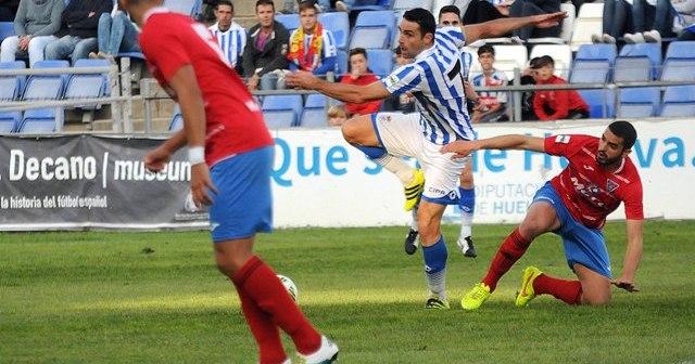 Núñez en remate acrobático.