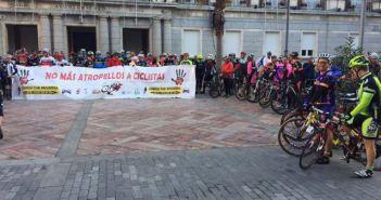 Homenaje a los ciclistas fallecidos en carretera.
