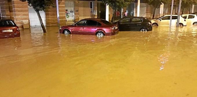 Inundaciones de madrugada en Lepe.